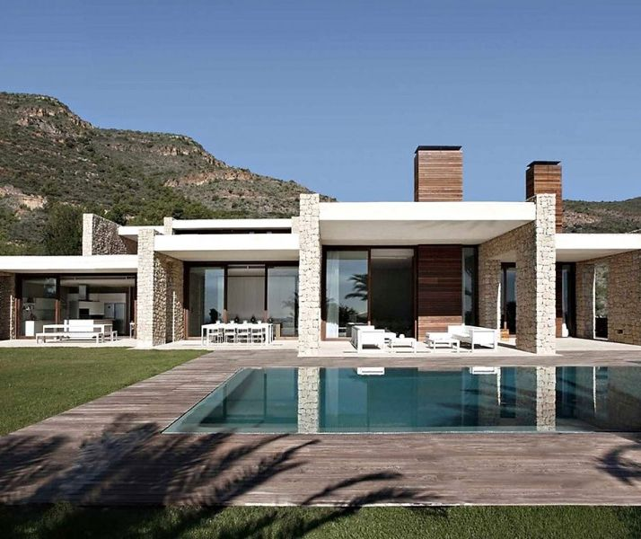 House in Monasterios || Valencia-based studio Ramon Esteve has designed a two story contemporary home. CLICK IMAGE FOR MORE