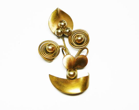 New Listings Daily - Follow Us for UpDates -  Happy New Years Inventory Reduction Sale Modernist Brass Flowers Brooch - Mod Abstract Art Pin #Jewelry - #Vintage Wire Art Jewellery  offered by #TheJewelSeeker on Etsy  Styl... #vintage #jewelry #teamlove #etsyretwt #ecochic #thejewelseeker ➡️ http://etsy.me/2hqqdrz