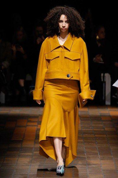 Marques ' Almeida Fall 2017 Ready-to-Wear Collection Photos - Vogue