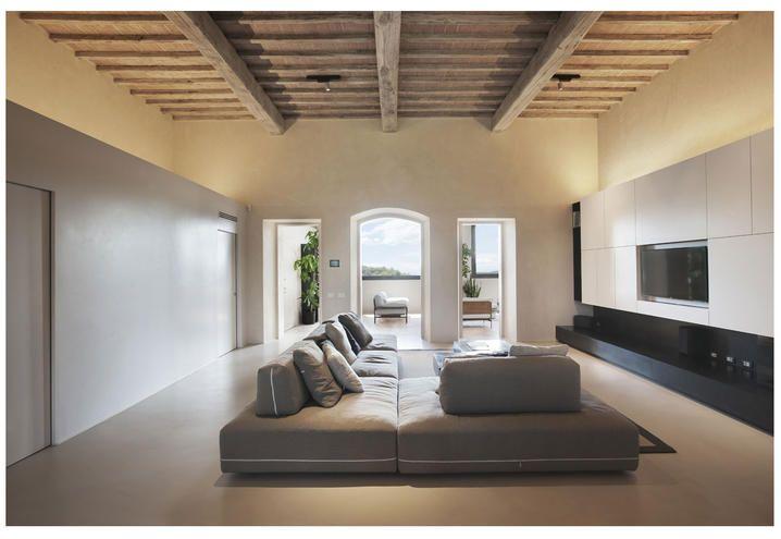 Case Toscane Interni : Per una casa colonica un restauro architettonico raffinato home