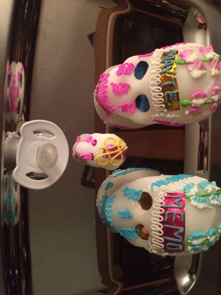 Skulls. Baby announcment. Calaverita. Chupon