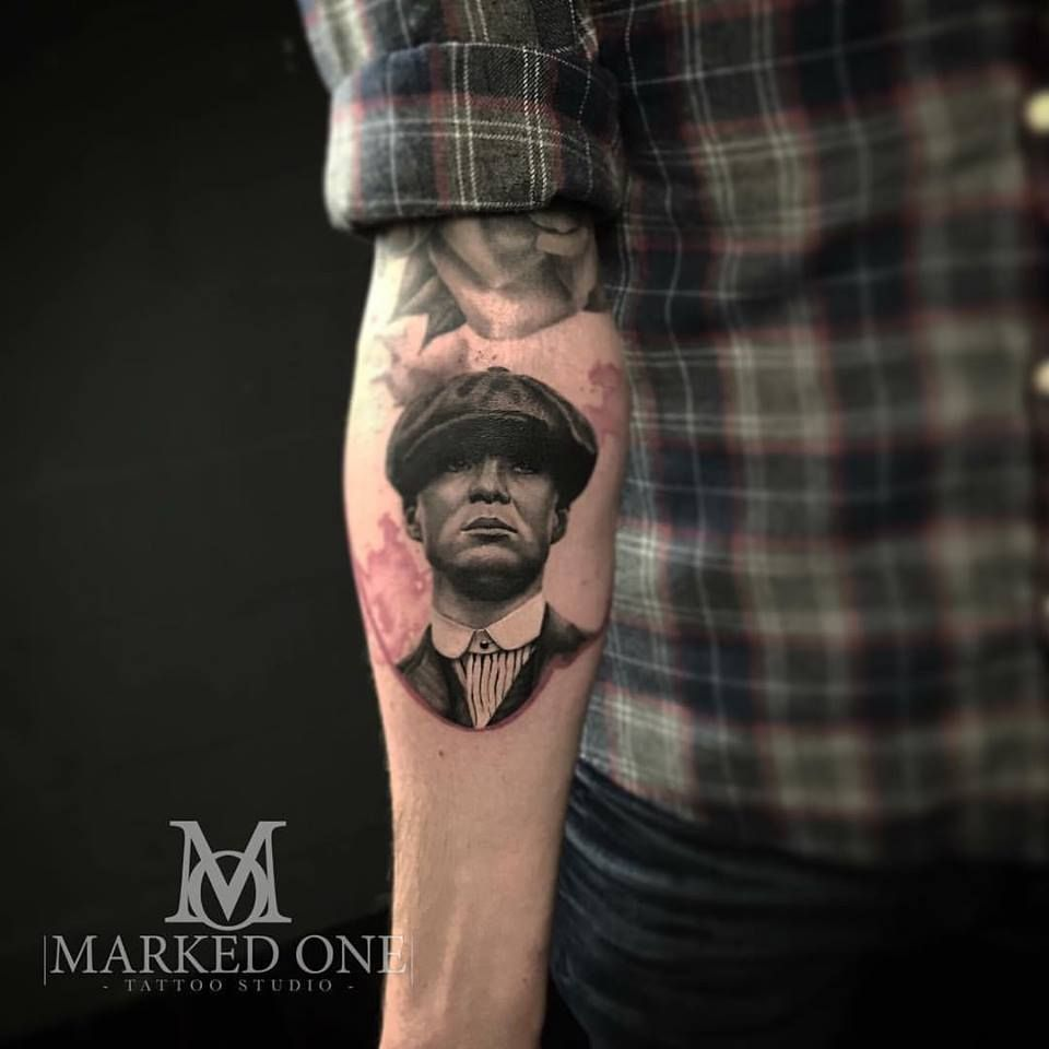 86ec13d5af2f3 Thomas Shelby (Cillian Murphy) from Peaky Blinders. Small black and grey  detailed portrait tattoo.