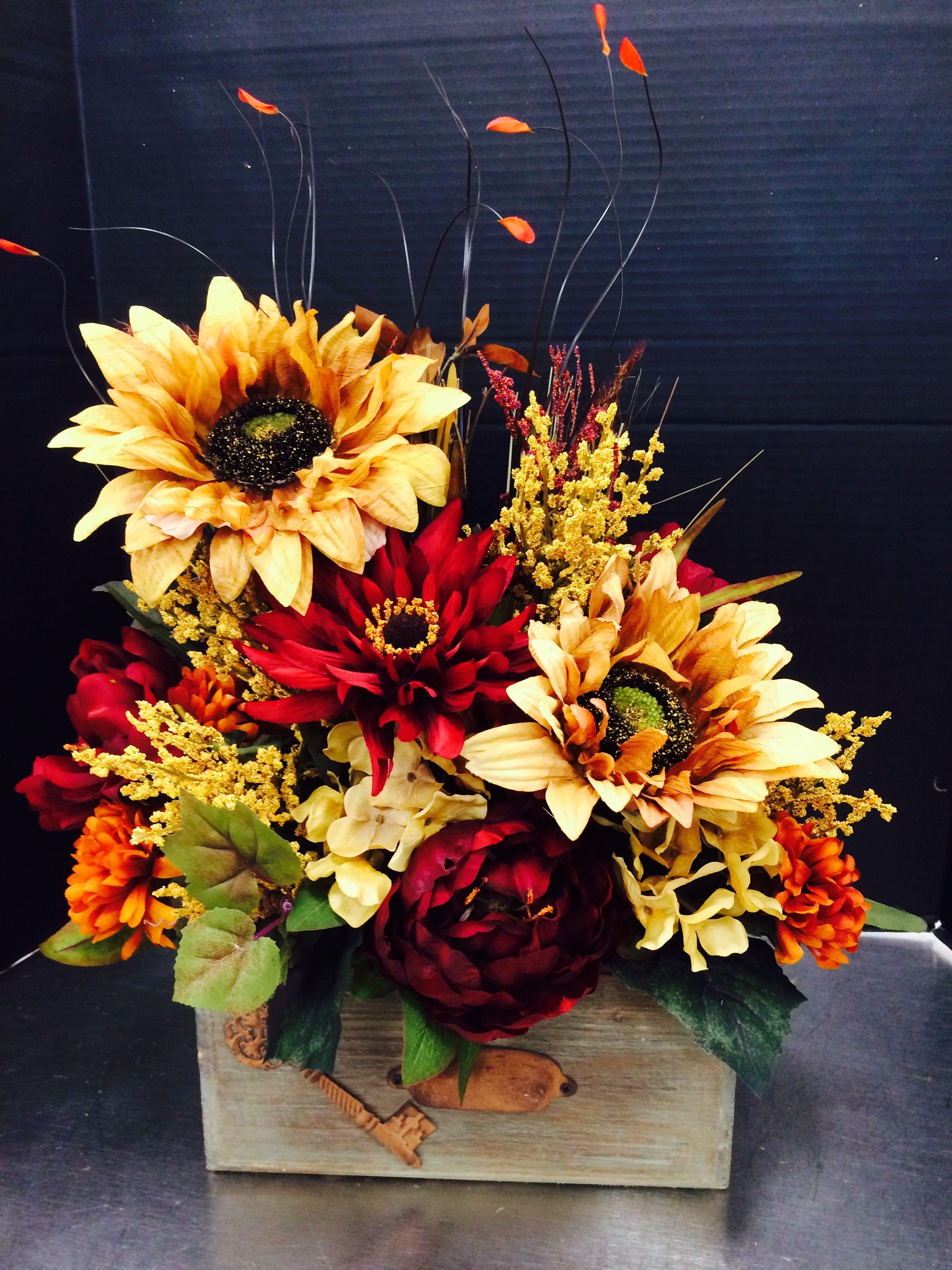 Pin By Sol Phelps On Flowers Pinterest Flower Arrangements  # Rangement Tele Et Sono