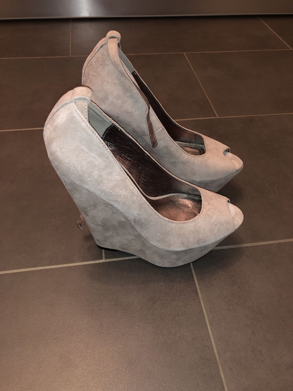 e02cb06870 Hot Heels High Heels, grau in 9300 Wittenbach for CHF 100.00 for sale -  Shpock