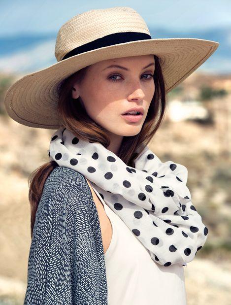 A wide brimmed hat - your best friend during the sunniest of days. H&M. #ACCESSORIZEINHM