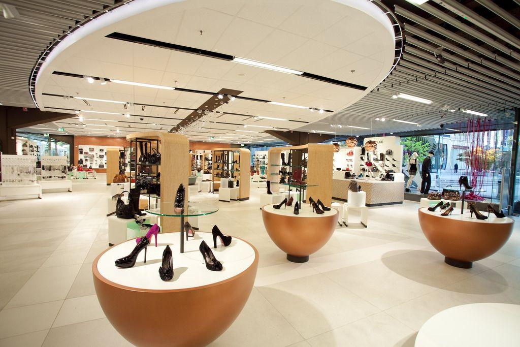 Departmentstore Maxi, Ljubljana - Slovenië / Interior design by JosDeVries - The Retail Company