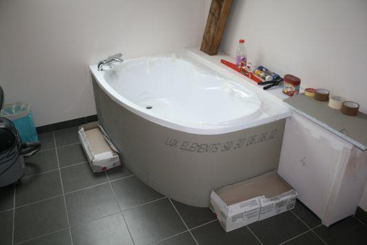 Habiller une baignoire d'angle : tablier lux / wedi et mosaïque (11 messages) - ForumConstruire ...