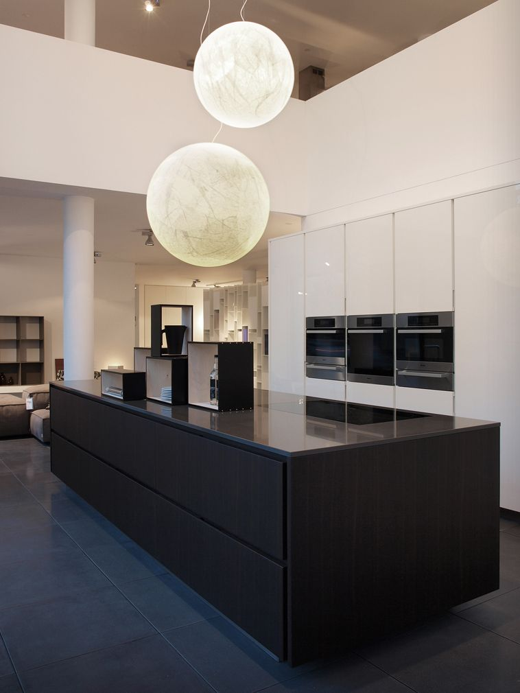 Cucina Matrix di Varenna Poliform | kitchen | Pinterest | Showroom ...