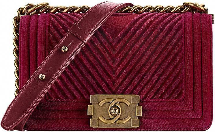 10842747101a ... Classic And Boy Bag Collection. Chanel-Métiers-d Art-2016-17-Paris- Cosmopolite-59  Chanelhandbags  WomensShoulderbags