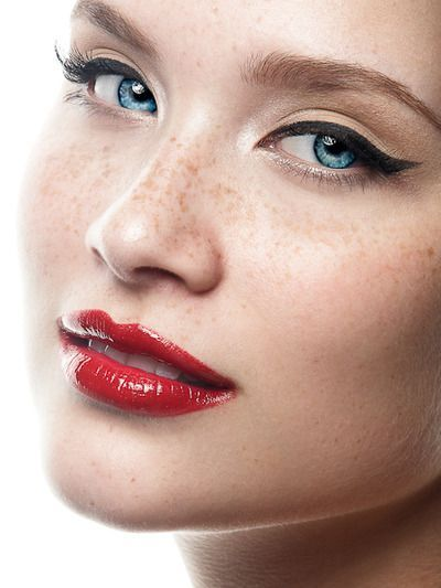 Se você tá na dúvida, insegura em relação à uma make, se você tá sem inspiração escolha um desses 5 clássicos na maquiagem e pronto, você vai arrasar!