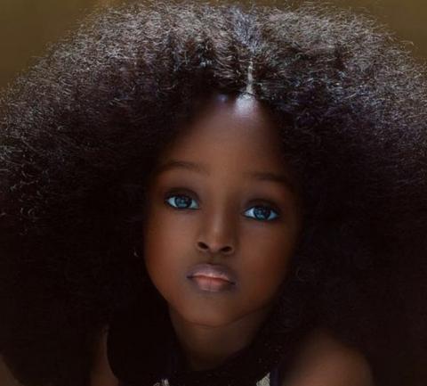 Les 25 Plus Beaux Bebes Du Monde Photos Beaux Bebes Cheveux Ultra Lisse Les Plus Belles