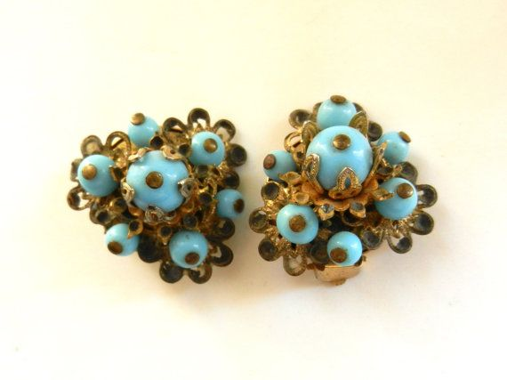 1930s exquisite turquoise glass beads cluster by RAKcreations