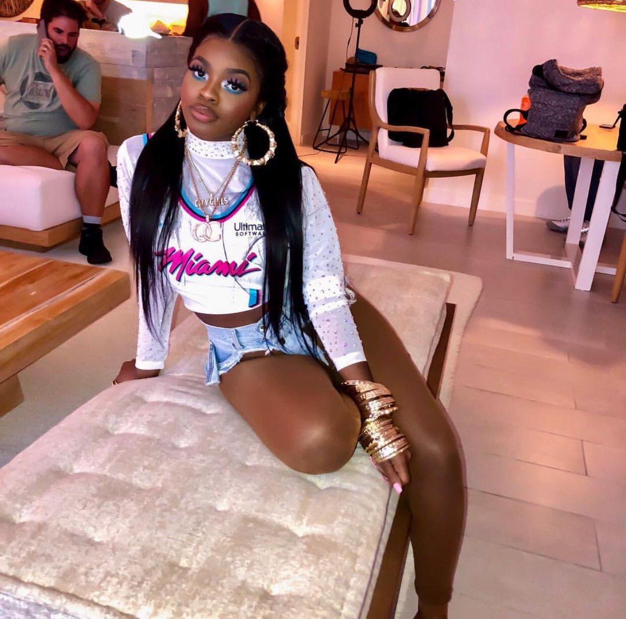 Ebony grote buit Girls pics