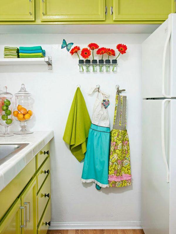 kleine küche einrichten einrichtungstipps praktische wanddeko ideen ...
