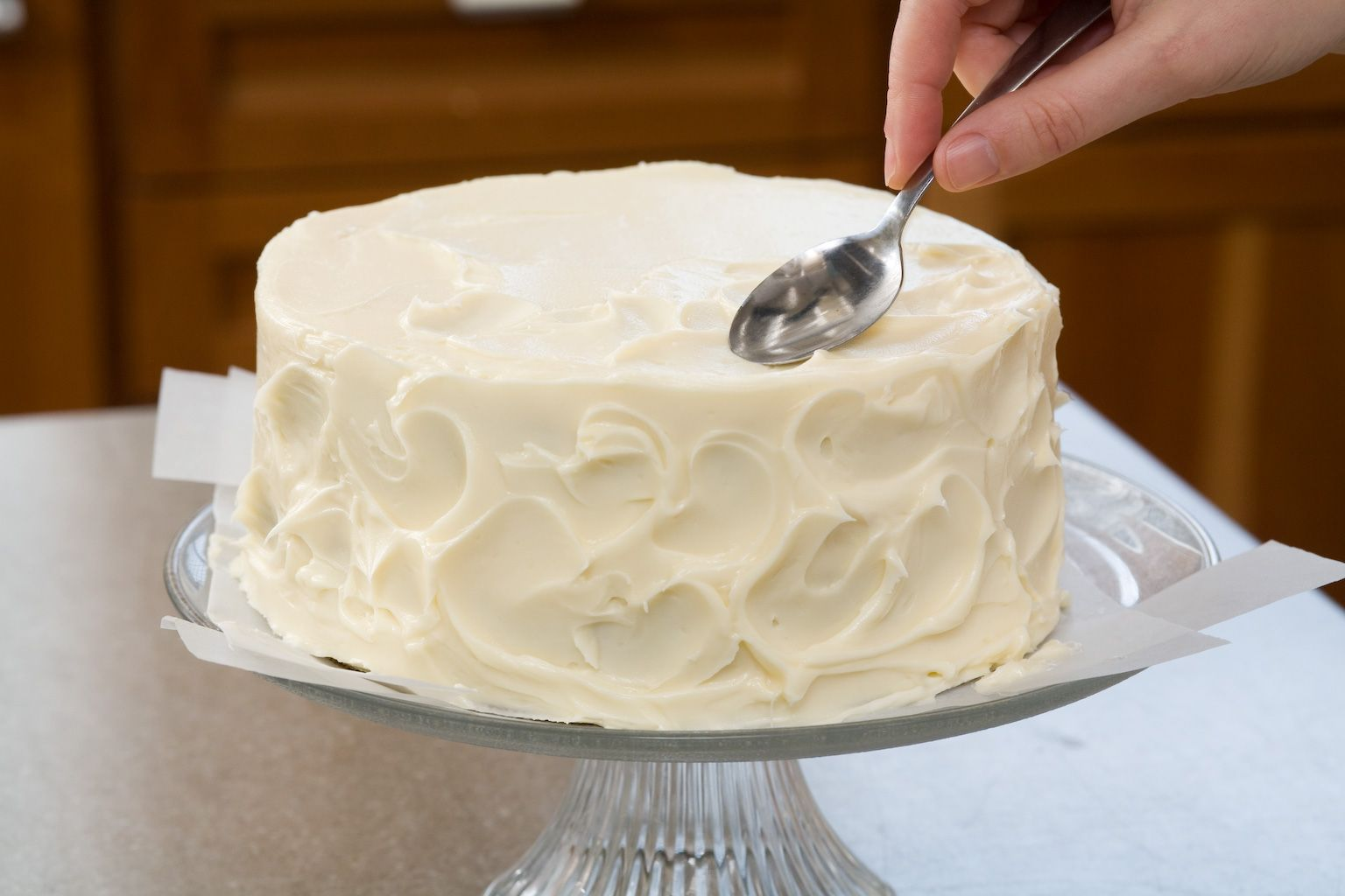 Secrets to Decorating Layer Cakes. Some really good ideas for making ...