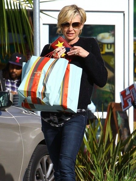 Portia de Rossi Photos Photos - Actress Portia De Rossi out shopping in West Hollywood, California on December 4, 2014. Portia looked to be having a little trouble carrying her two overly stuffed bags. - Portia De Rossi Goes Shopping