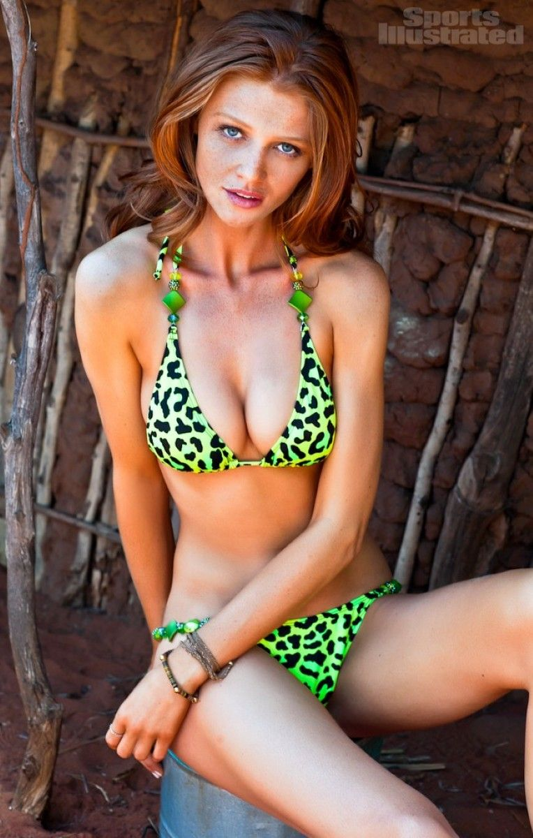 Sports illustrated swimsuit model redhead