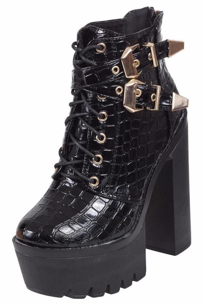 d4d45100c0ae2 Ladies Chunky Cleated Sole Platform Womens Block Heel Biker Chelsea Ankle  Boots