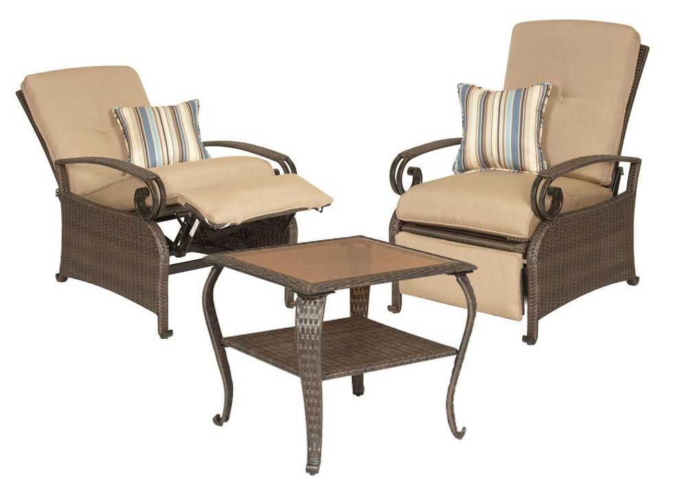 La Z Boy Outdoor Two Patio Recliners And Side Table