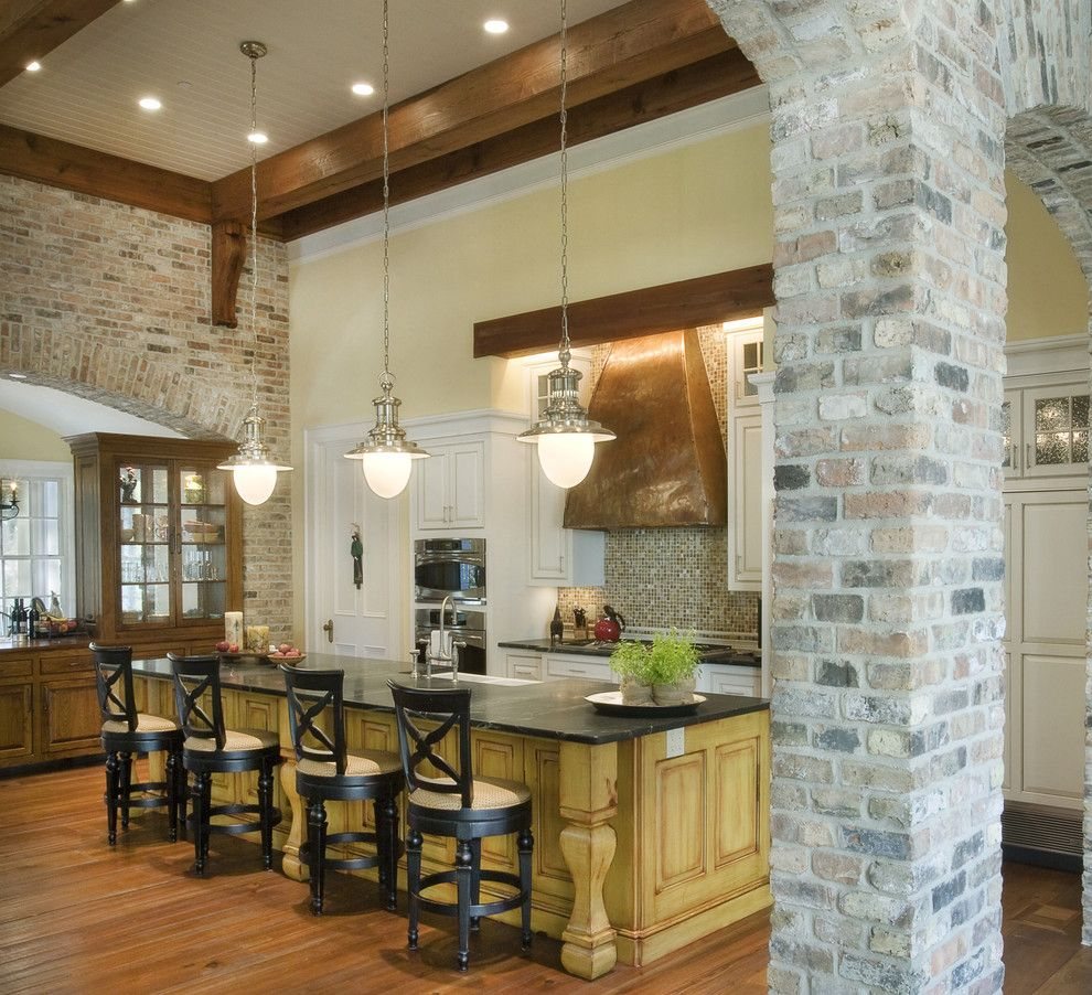 Like The Brick Beams Dark Floors Decor Chandelier Is: Jenkins Brick Traditional Kitchen Decoration Ideas