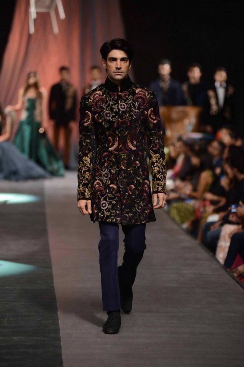 Manish malhotra fallwinter lakme fashion week manish