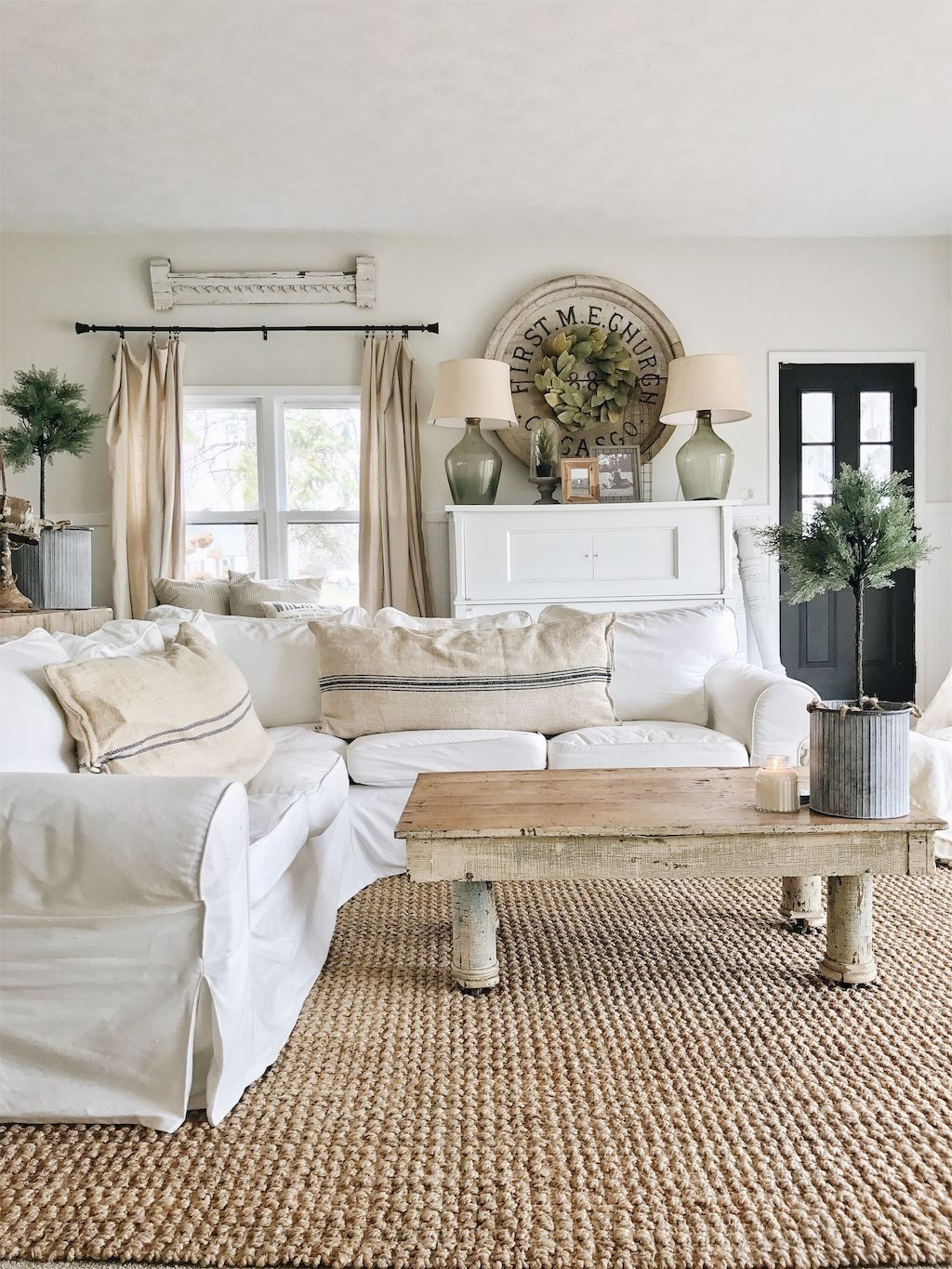 Awesome 99 Cute Shabby Chic Farmhouse Living Room Decor Ideas. More ...