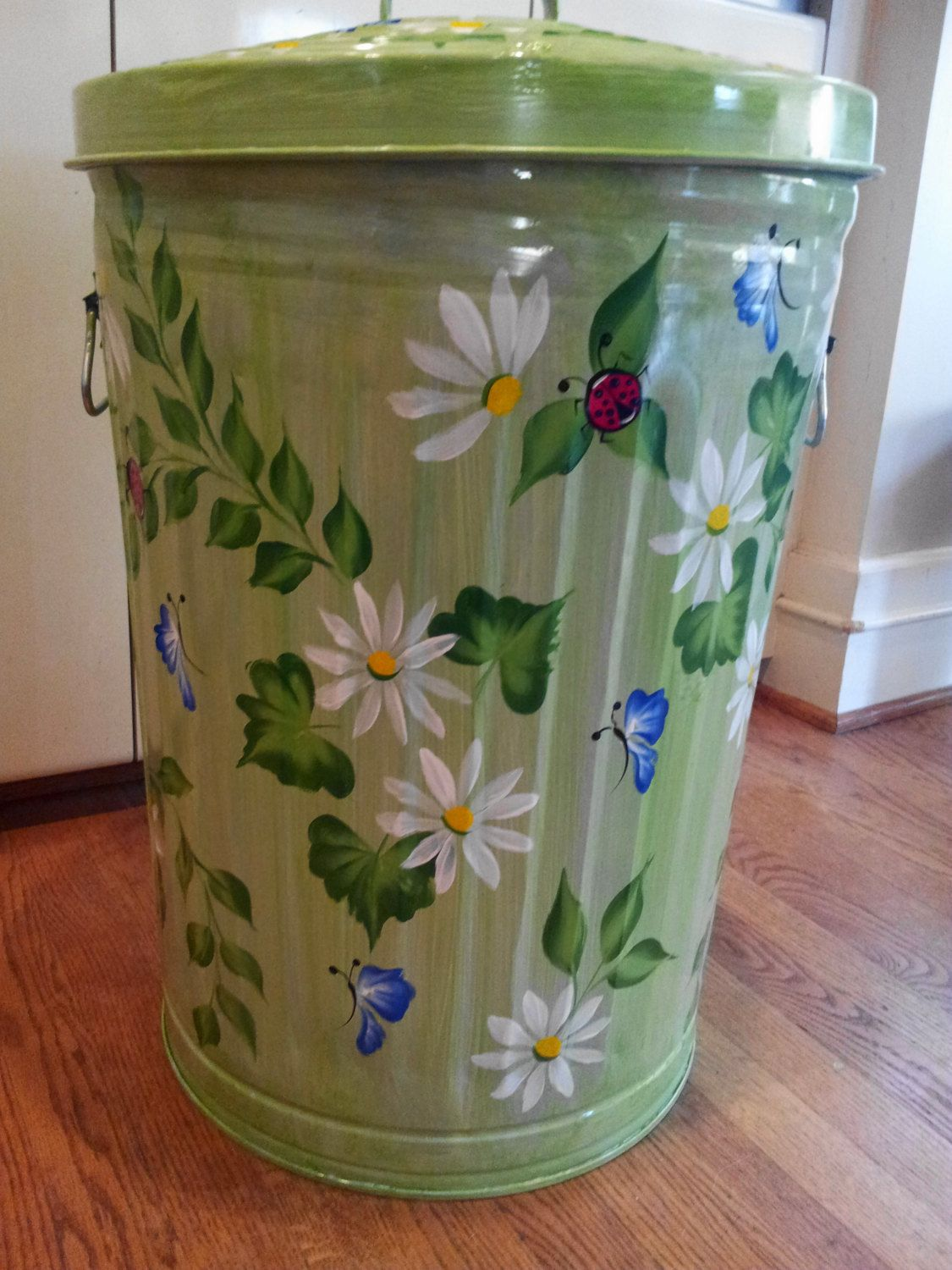 Decorative Hand Painted Green 20 Gallon Galvanized Metal Trash Garbage Storage Can W Side Handle Painted Mailboxes Painting Galvanized Metal Painted Trash Cans Metal garbage cans with lids