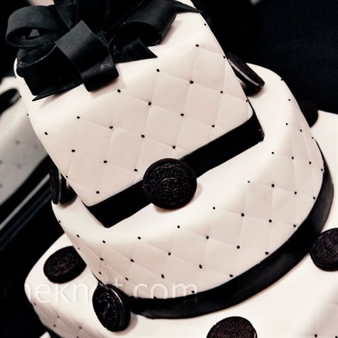 The Three Tier Black And White Cake Had Ivory Fondant On All Tiers