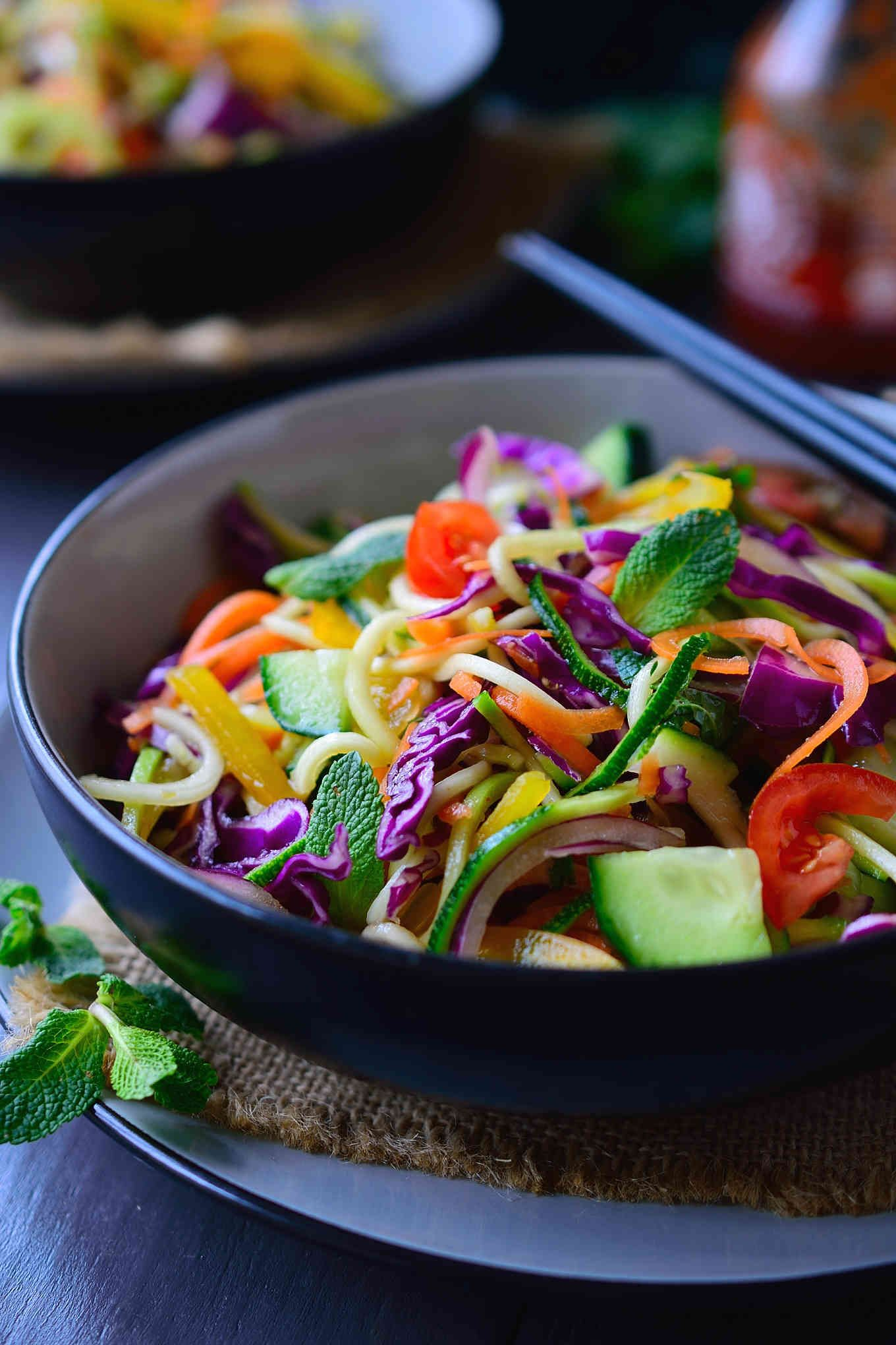 This raw vegan noodles salad recipe is super quick and easy to put this raw vegan noodles salad recipe is super quick and easy to put together and is forumfinder Image collections