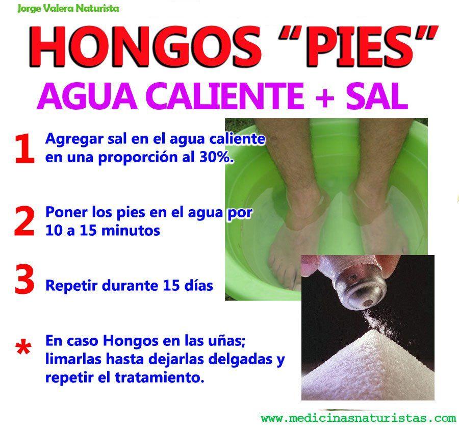 Remojar los pies en agua con sal