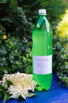Oranzada Z Kwiatow Bzu Wg Pani Zosi Naturalnie Gazowana Klaudyna Hebda Blog Alcoholic Drinks Soju Bottle Polish Recipes