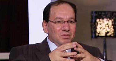 وائل قنديل يكتب : فلنسقط الجنسية عن المصريين بالإمارات