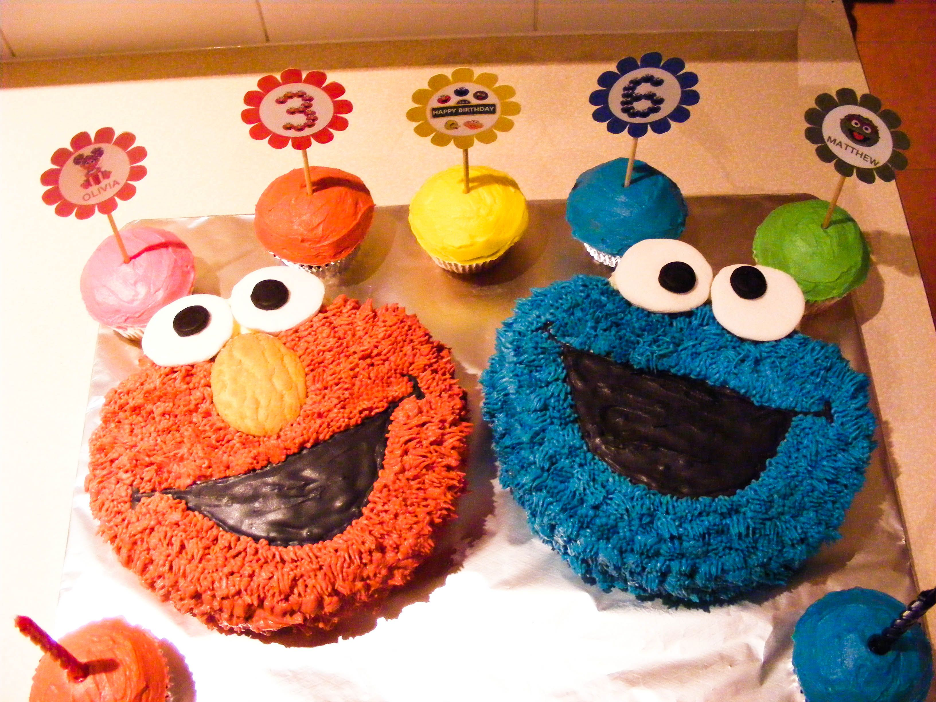 Elmo and Cookie Monster - Elmo and Cookie Monster cake and ...