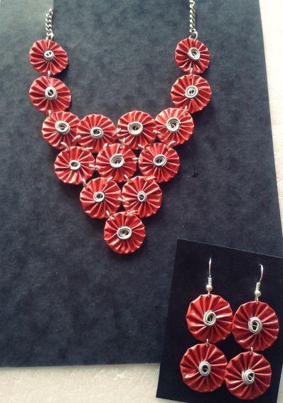 70347934ce1b Collares con motivos florales hechos con cápsulas Nespresso. Alegres