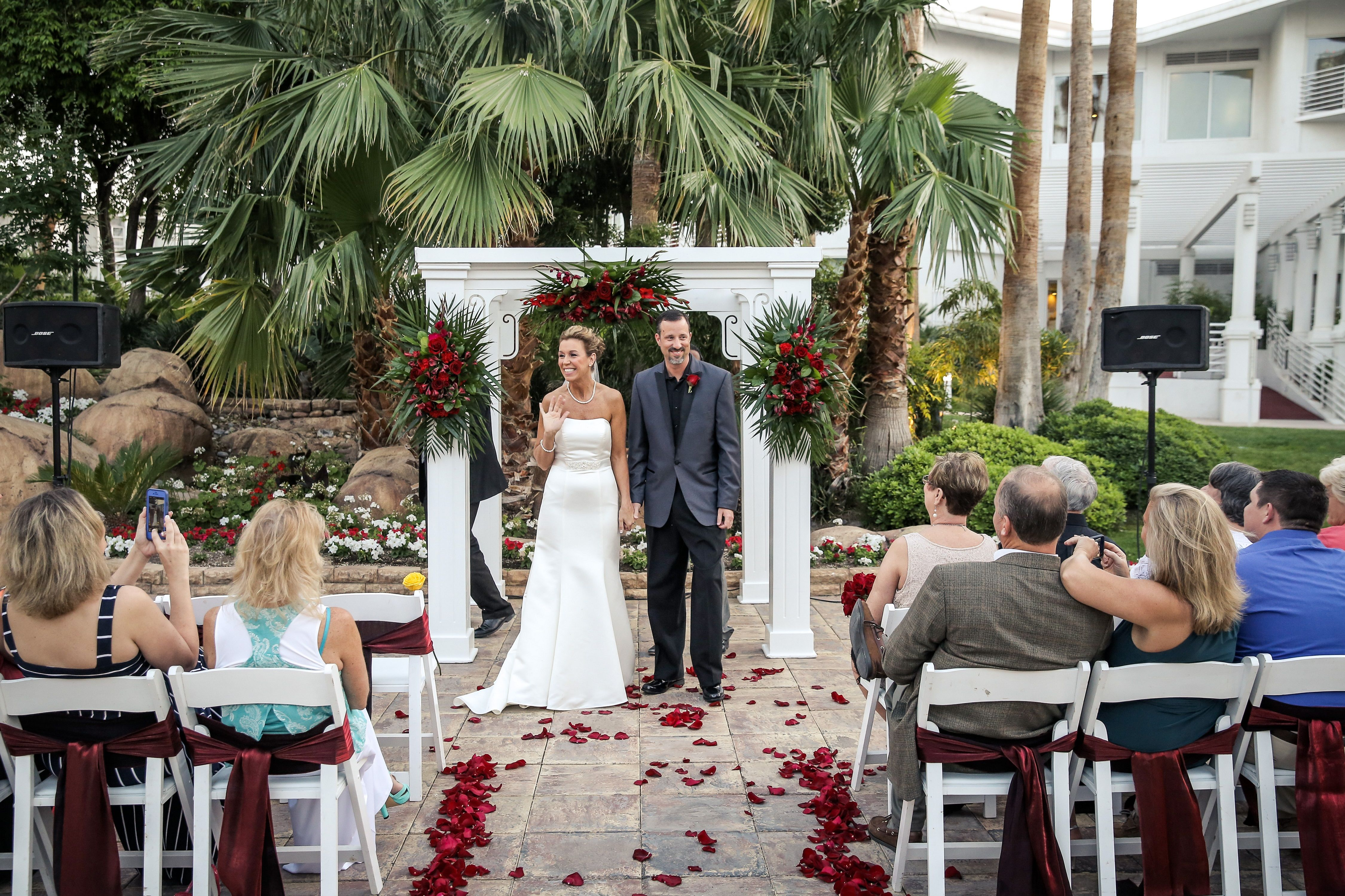 Tropicana Lv Weddings Wedding Flowers Las Vegas Chapel Tropical Chapels