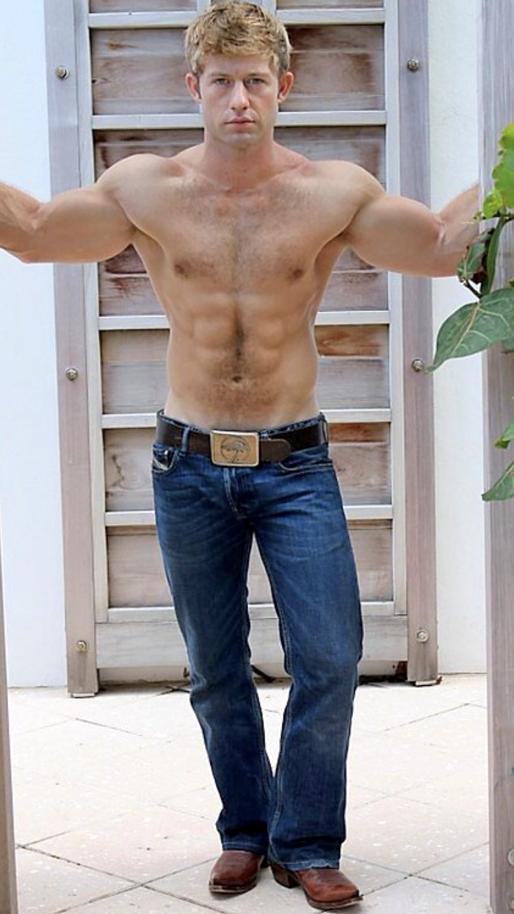 Pin by Steven Schlipstein on Hot men | Shirtless men ...