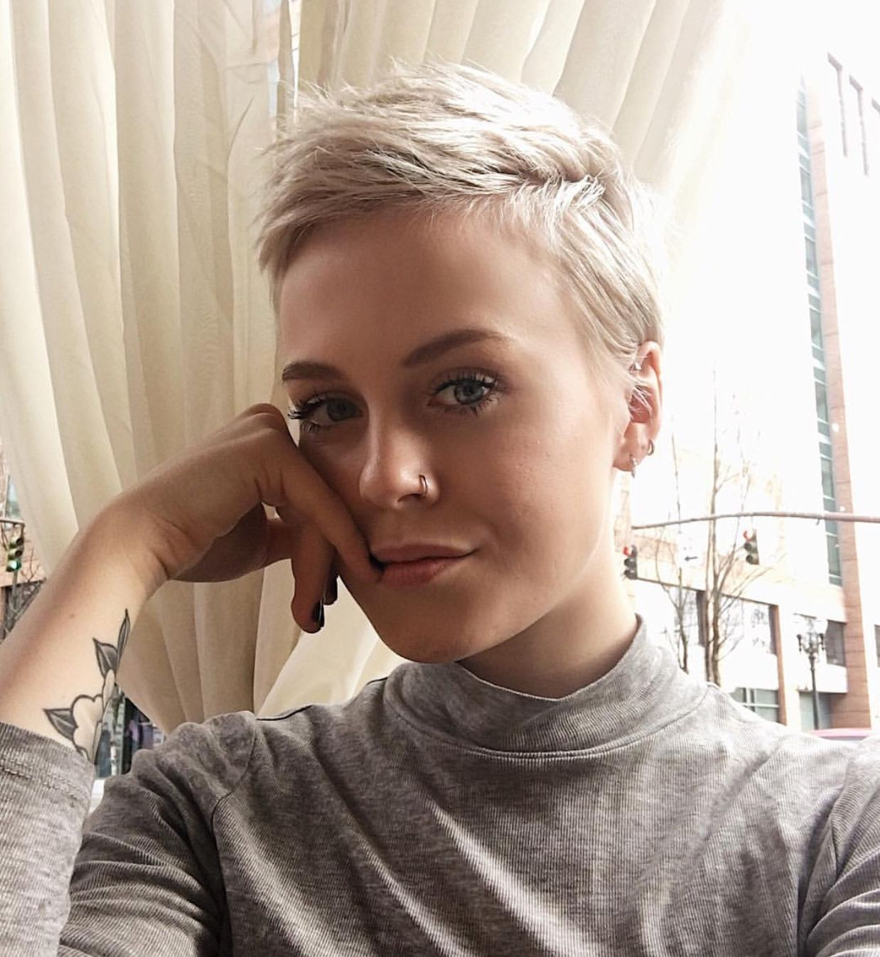 Perfect cut and I may want to try this blonde  Before cardon