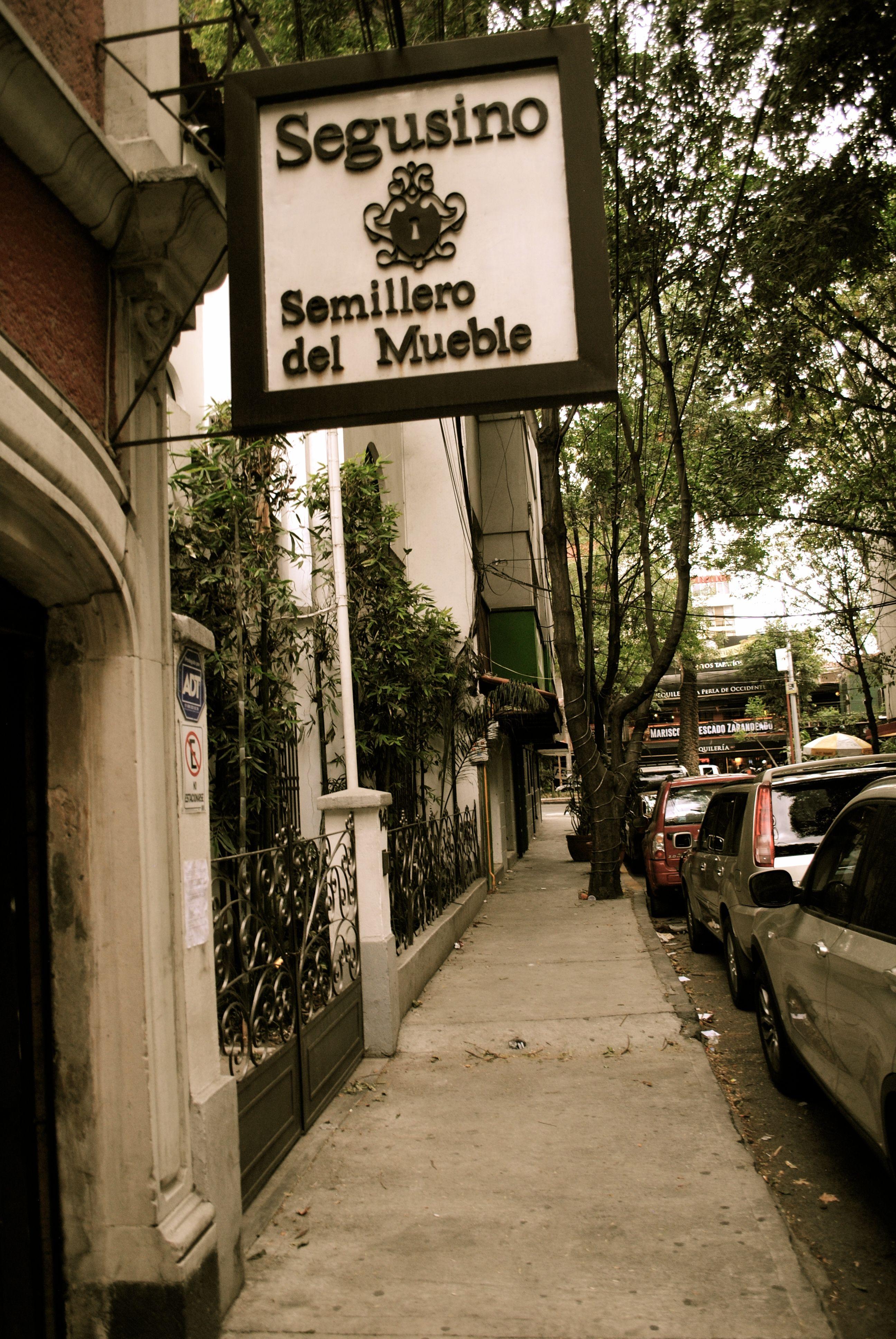 Calle Cadereyta Un Oasis De Tranquilidad Entre Las Transitadas  # Muebles En Jiquilpan Mich