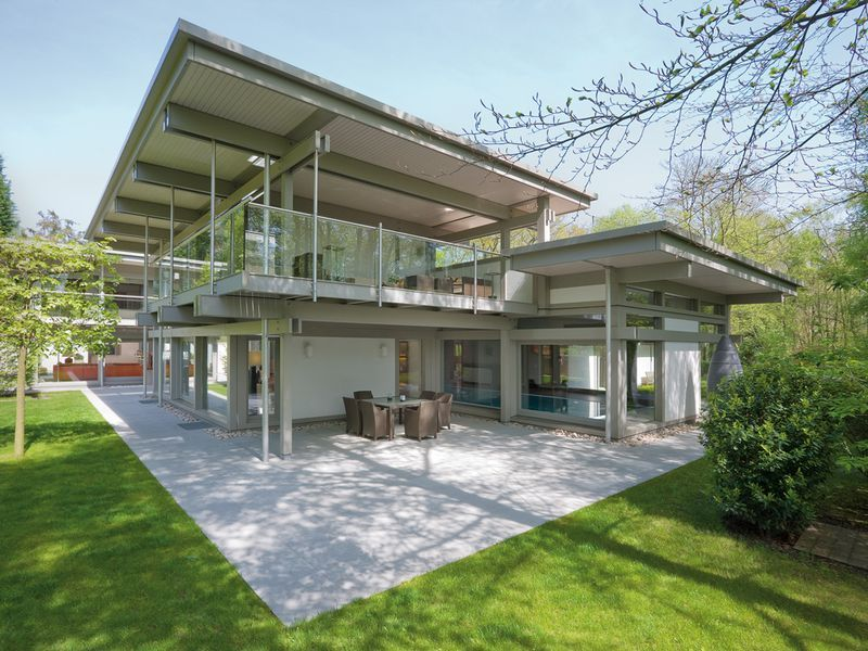 The exclusive alternative a huf house with a flat roof for Haus alternative