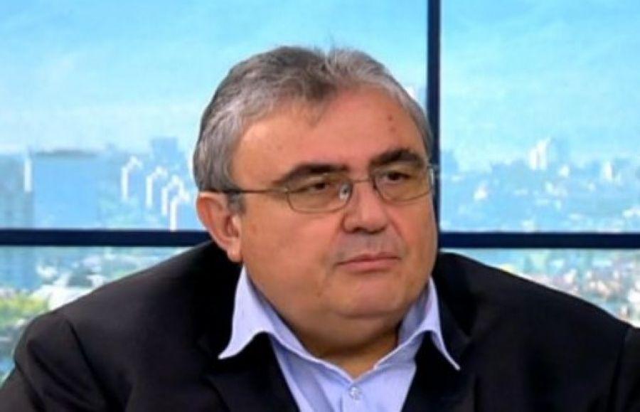 """""""Всеки трябва да си поеме отговорността за информацията, която съобщава в публичното пространство"""", отсече политологът Огнян Минчев в студиото на..."""