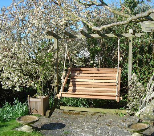 Gartenschaukel Selber Bauen Holzbretter Hell Gartentraume