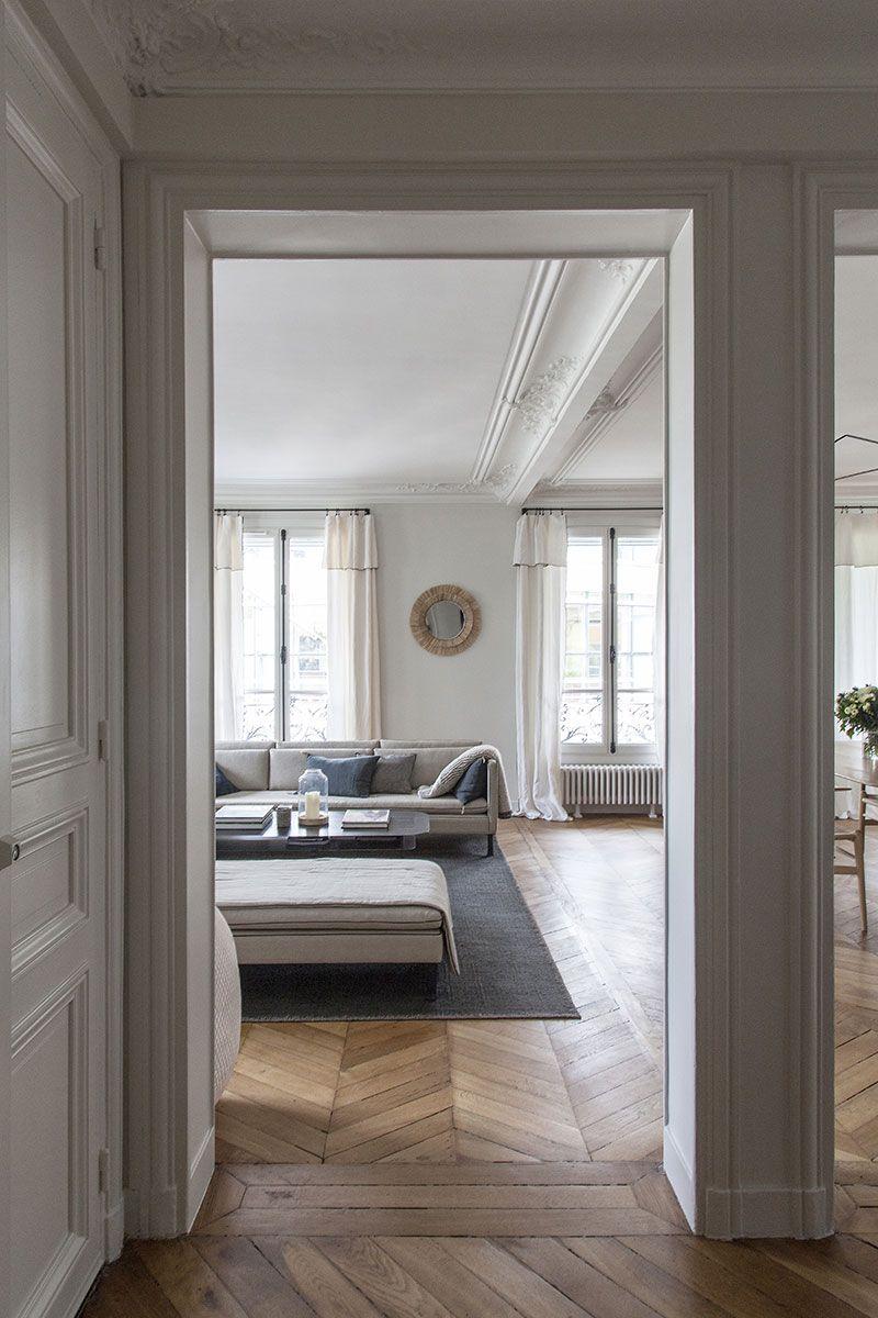 Francuzskaya Izyashnost I Skandinavskaya Sderzhannost Sovremennaya Kvartira V Parizhe Foto Idei Dizajn In 2020 French Interior Design Modern Apartment Parisian Apartment