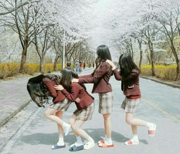 Sahabat Selamanya, Gadis Korea