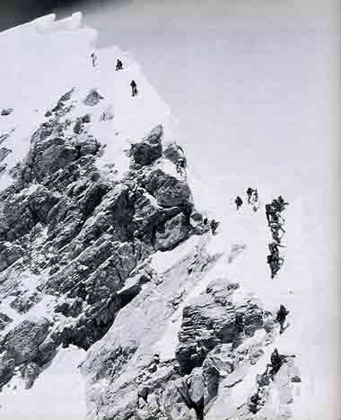 Scott Fischer took this photo of the Everest Summit Ridge looking up from the South Summit at 1:00 P.M. on May 10, 1996 - Into Thin Air Illustrated Edition (Jon Krakauer) book - This Day in History: May 10, 1996: Death on Mount Everest http://dingeengoete.blogspot.com/