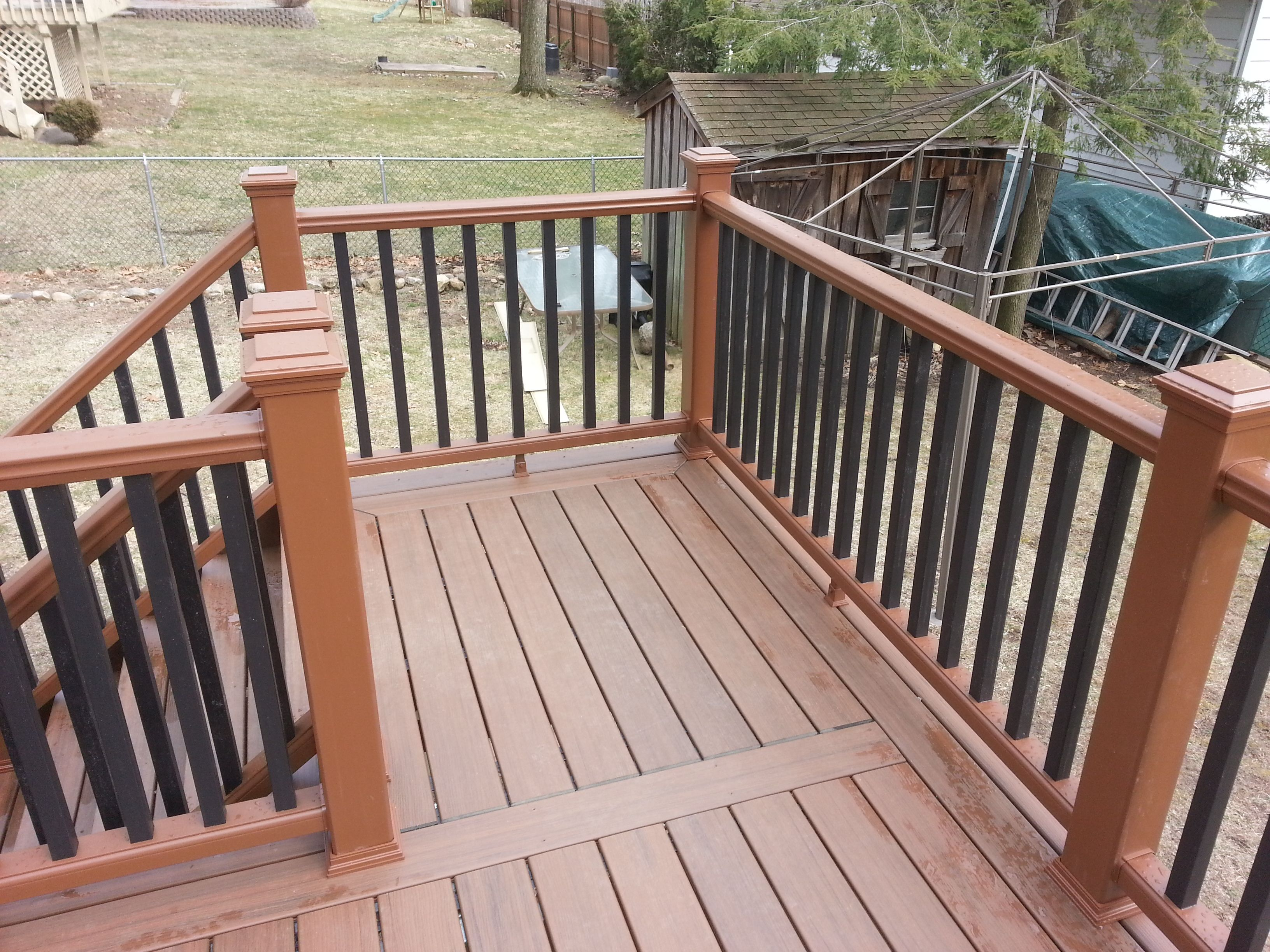 Best Great Design Elements Are Featured On This Deck Platform 400 x 300