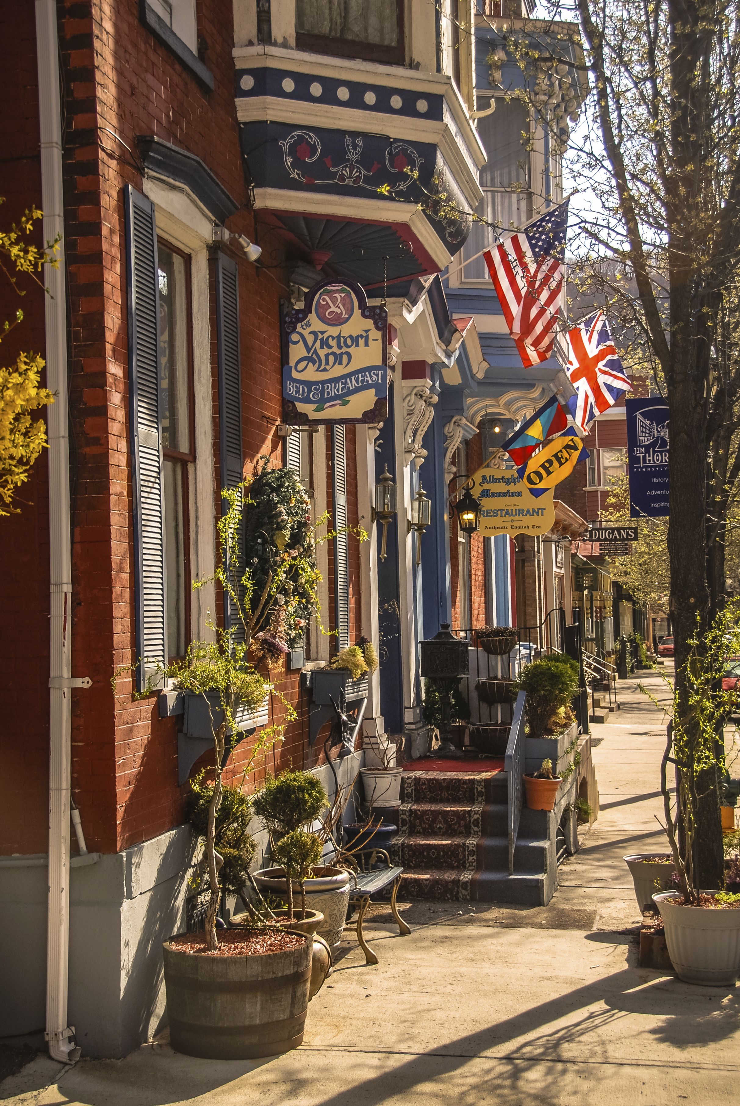 The 50 Most Beautiful Small Towns In America Small Towns Usa Small Town America Small Towns
