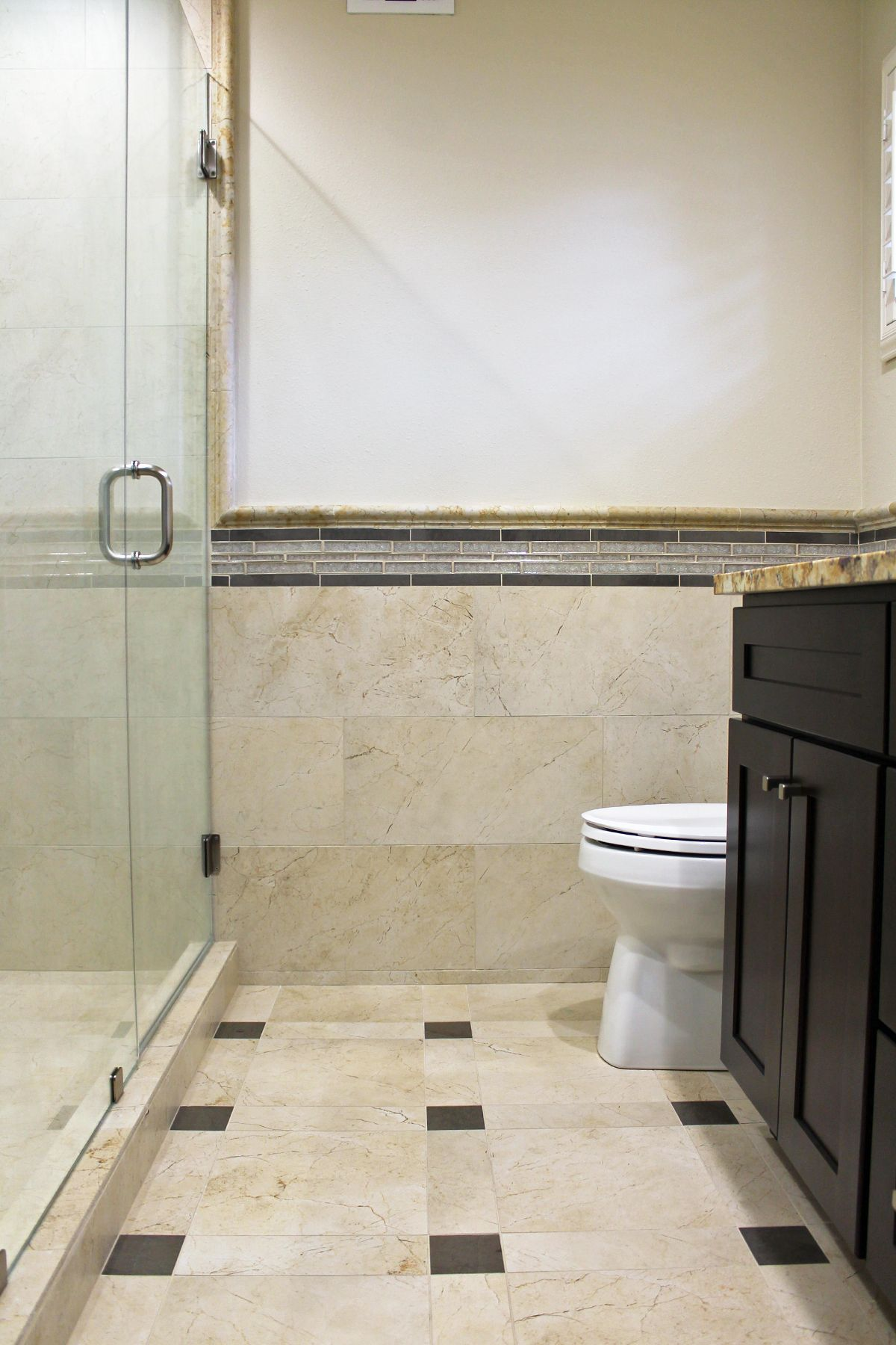 Master #bathroom design. Beige floor #tile and wainscot. #ideas ...