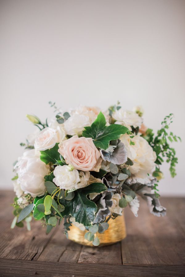 Classic blush + white centerpiece: http://www.stylemepretty.com/california-weddings/los-angeles/2016/05/19/want-romance-why-you-need-to-cover-every-surface-at-your-wedding-with-candles/ | Photography: Becca Rillo - http://beccarillo.com/