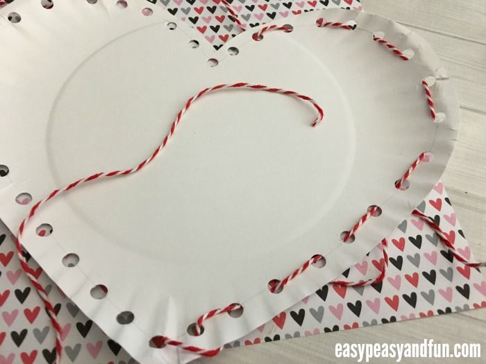 Threaded Heart Paper Plate Craft for Valentines Day - Easy Peasy and Fun & Threaded Heart Paper Plate Craft for Valentines Day | Paper plate ...