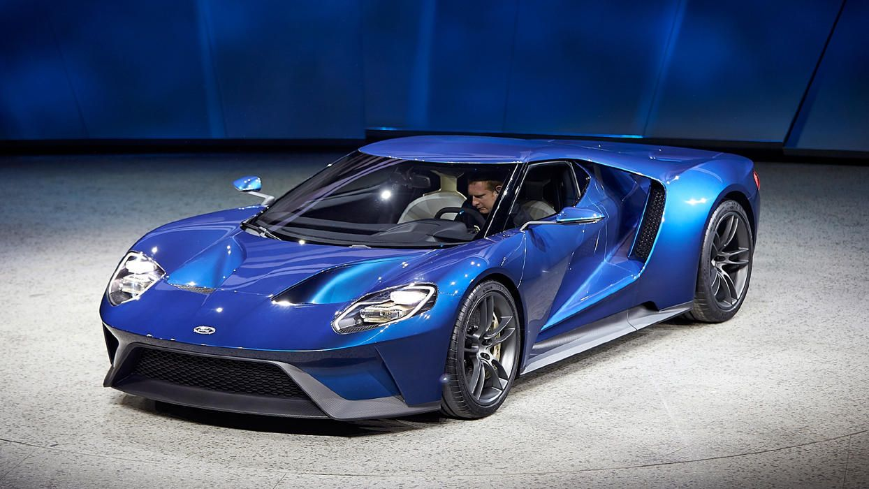 Ford Dazzles Detroit By Unveiling 600 Hp Gt Supercar Ford Gt Super Cars Ford Gt 2016